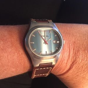 Fossil watch with leather band, date